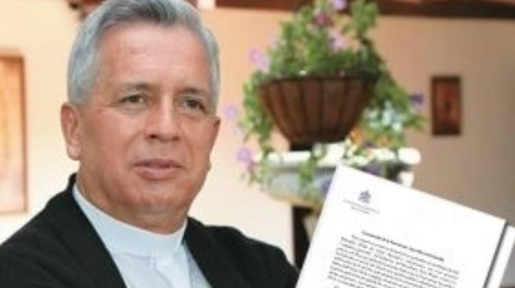 Los ataques del uribismo contra miembros de la Iglesia comprometidos con la paz