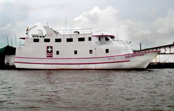 Saqueo a barco hospital en Buenaventura: 10 hombres armados. VIDEO
