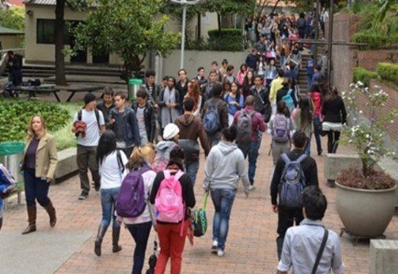 Ay, las universidades privadas... las que no se pongan las pilas se quiebran