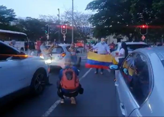 ¿Están pagando por asistir a marchas a favor de Uribe?