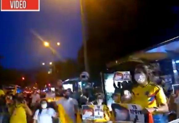 VIDEO: Cientos de paisas salen a protestar por detención de Uribe