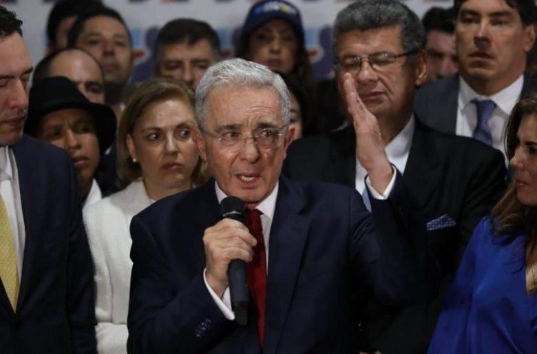 Se encienden las alarmas en el Centro Democrático por probable detención de Uribe
