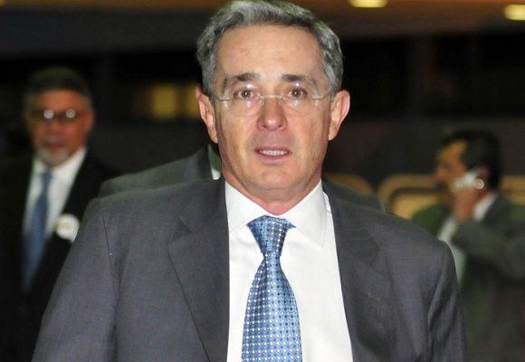¿De verdad Uribe Vélez pidió militarizar las ciudades?