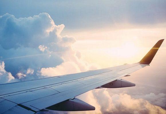 Hombre que voló de Bogotá a Cartagena muere por COVID-19