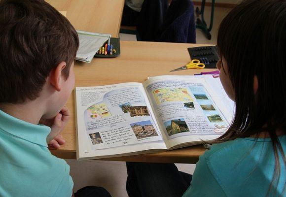 Crisis de la educación en la era de las nuevas normalidades