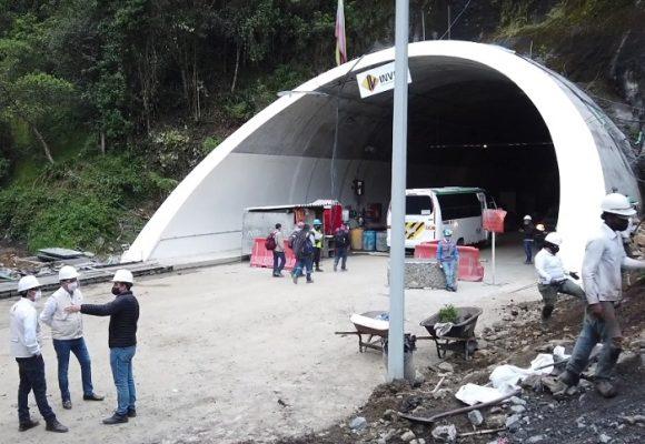 Contraloría visitó obras del Túnel de La Línea que se entregarán el 4 de septiembre