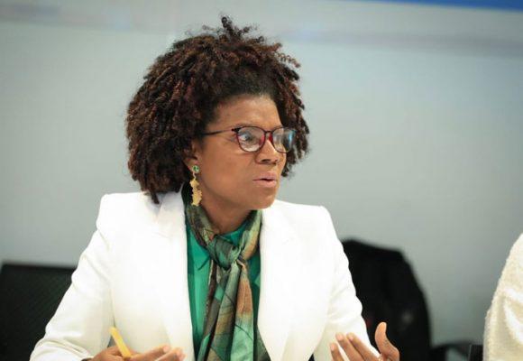 La ministra Mabel Torres se quedó sola con la bancada afro