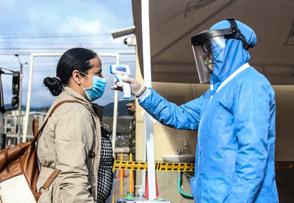 8.901 nuevos contagios y 389 fallecidos más por COVID-19 en Colombia