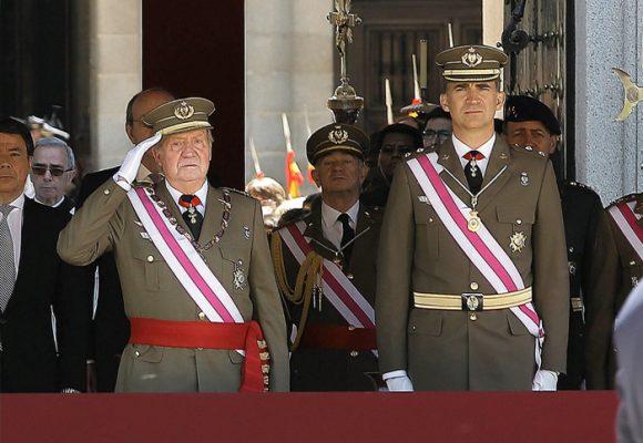 El Rey Juan Carlosrecibe el castigo mayor por su corrupción: el exilio