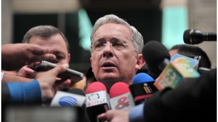 Los medios y Uribe, de no polaricen a polarizar