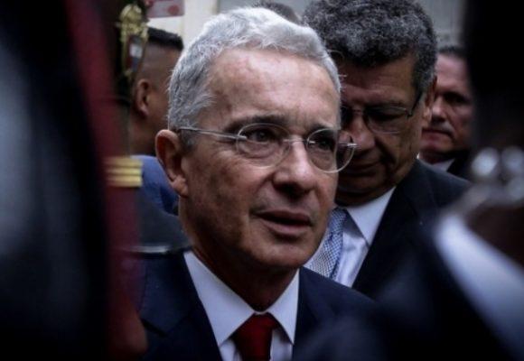 Uribe, o ganar por W