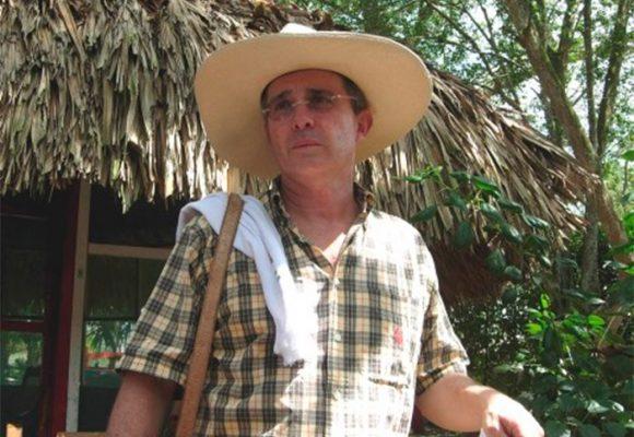 Álvaro Uribe se quedará en El Ubérrimo para tratamiento del COVID-19