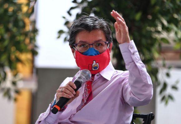 La guerra sucia contra Claudia López por defendernos de la policia