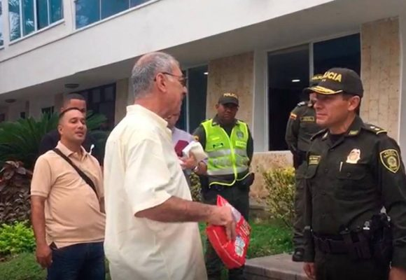 El heroico regaño de alcalde de Cartagena a la policia