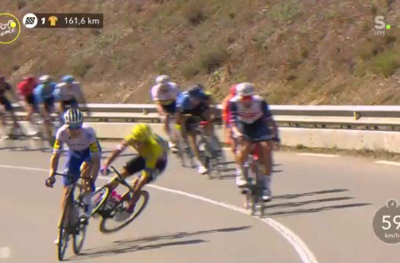 El terrible momento en el que un europeo saca del Tour a Sergio Higuita