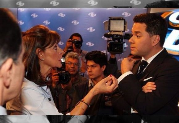 Le recuerdan a Luis Carlos Vélez cuando fue un desastre moderando el debate presidencial