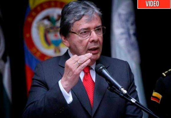 Monumental trapeada de periodista de Semana a Ministro de Defensa