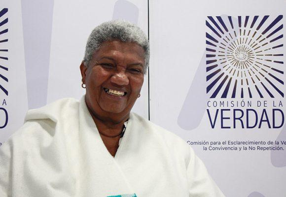 Los 65 candidatos a reemplazar a Ángela Salazar en la Comisión de la Verdad
