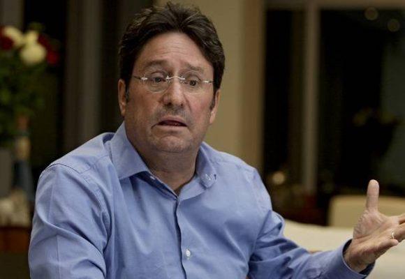 Pacho Santos sugiere complot internacional contra la policía