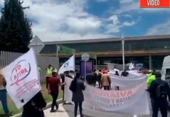 Protestas de trabajadores de Avianca por despidos masivos