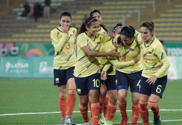Las luchas del fútbol femenino colombiano