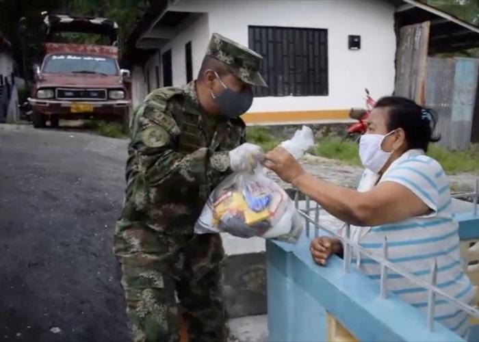 Soldados y auxiliares de policía ahora podrán beneficiarse del Ingreso Solidario