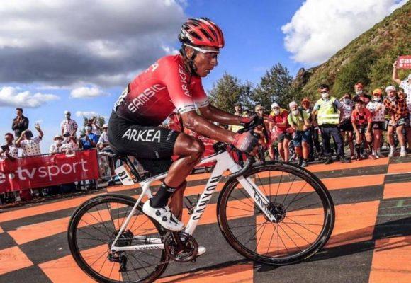 Nairo es un Superhumano: terminó el Tour de Francia con sus rodillas rotas
