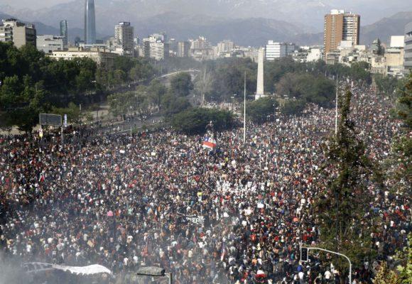 Despecho uribista por el entierro histórico a Pinochet