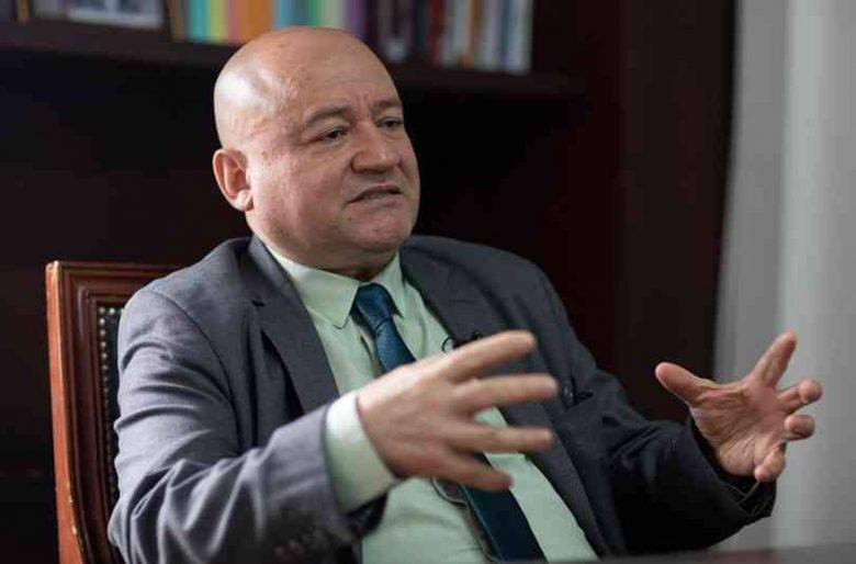 Presión de gobierno para sacar a Carlos Antonio Lozada del Congreso
