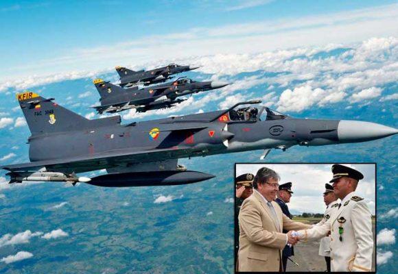 Los aviones de guerra colombianos solo sirven para atacar guerrillas