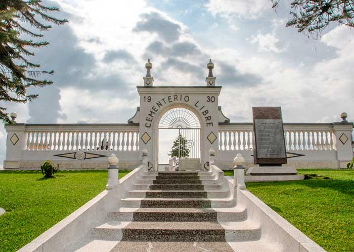 ¿Cementerio para librepensadores?