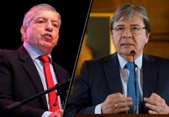Furia uribista contra César Gaviria por críticas a Ministro de Defensa