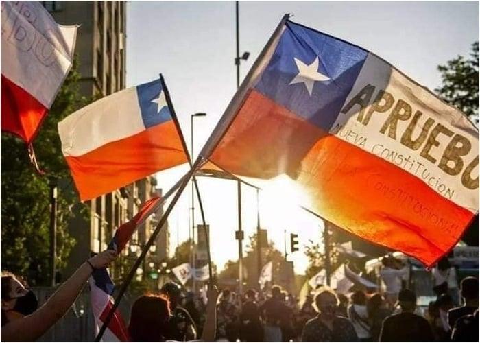 ¡Los políticos chilenos están advertidos!