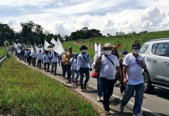 Con peregrinación, cientos de exguerrilleros piden alto a los asesinatos