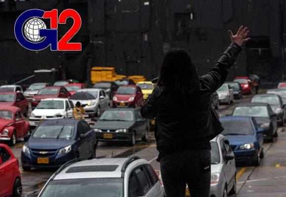 La frustración de una pastora cristiana predicándole a 100 carros