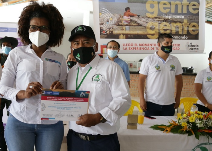 La ciencia y la tecnología llegan a las manos de los pimenteros del Putumayo