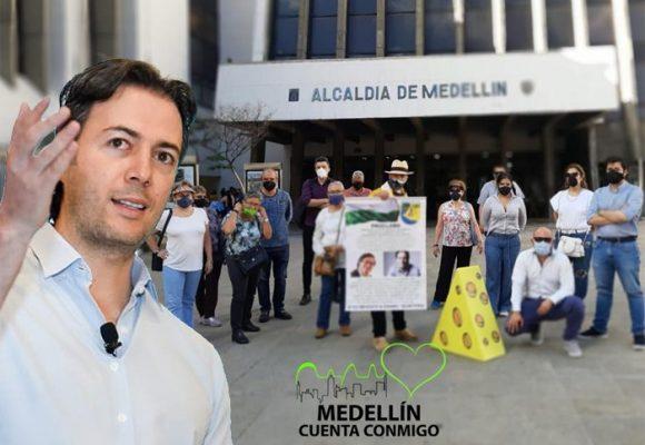 Jóvenes profesionales tras la revocatoria de Daniel Quintero