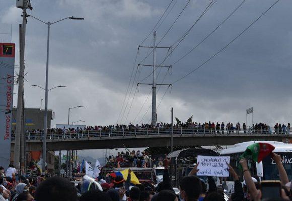 Con la minga, la oposición le ganó el pulso político a Saldarriaga