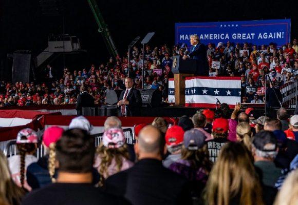 Atacar al contrincante y alabarse a sí mismo: la estrategia de Trump