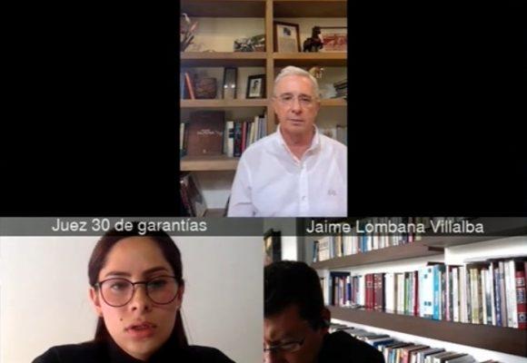Álvaro Uribe atento desde El Ubérrimo a la decisión de su joven juez