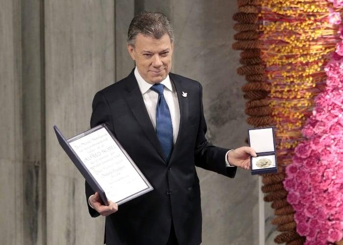 Santos entre los seis premios Nobel cuestionados según el NYT