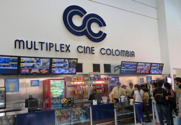 El desespero de la gente porque regrese Cine Colombia
