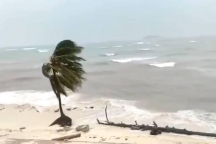 El desastre de Iván Duque durante la emergencia de San Andrés y Providencia