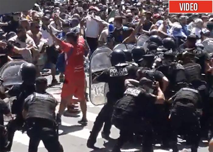 Esconden el cuerpo de Maradona por batalla campal en su velorio