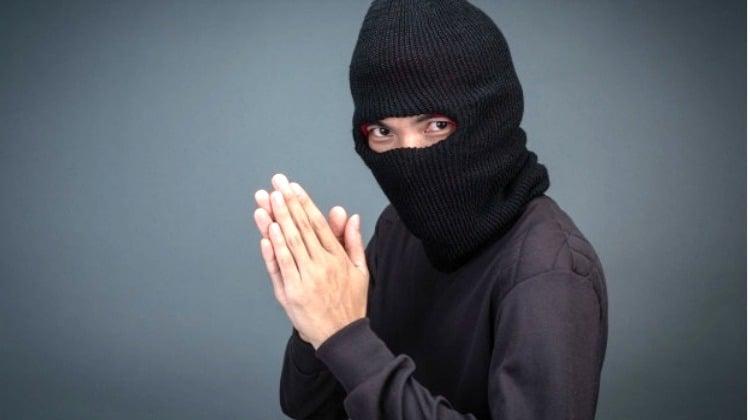 Padre, quiero hablar con usted: soy ladrón