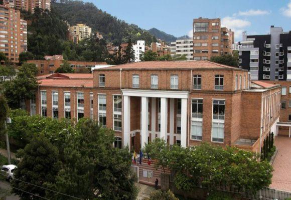 Tiroteo frente al colegio Liceo Francés en Bogotá