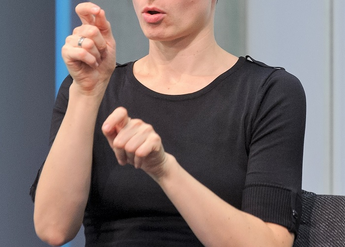 Entidades estatales están en mora de nombrar intérpretes para personas sordas