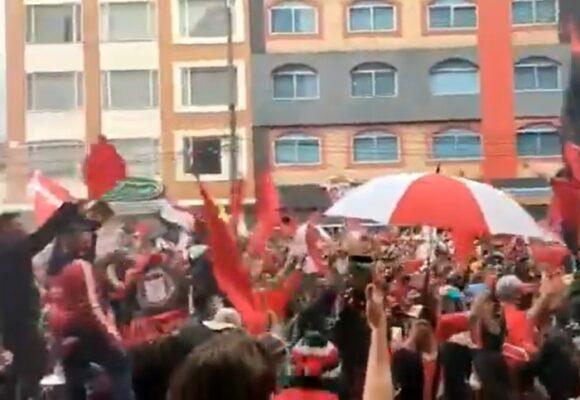 VIDEO: El impresionante recibimiento al América de Cali en Bogotá