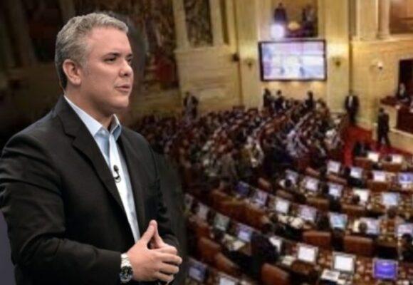 El sueldo de congresistas sube casi dos millones de pesos: el regalo de Duque