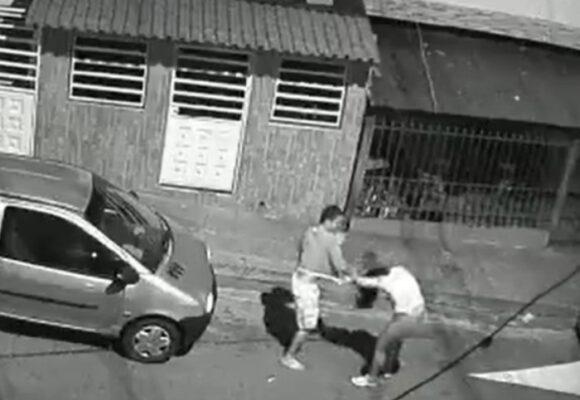 VIDEO: Brutal ataque a puños contra mujer en Floridablanca, Santander